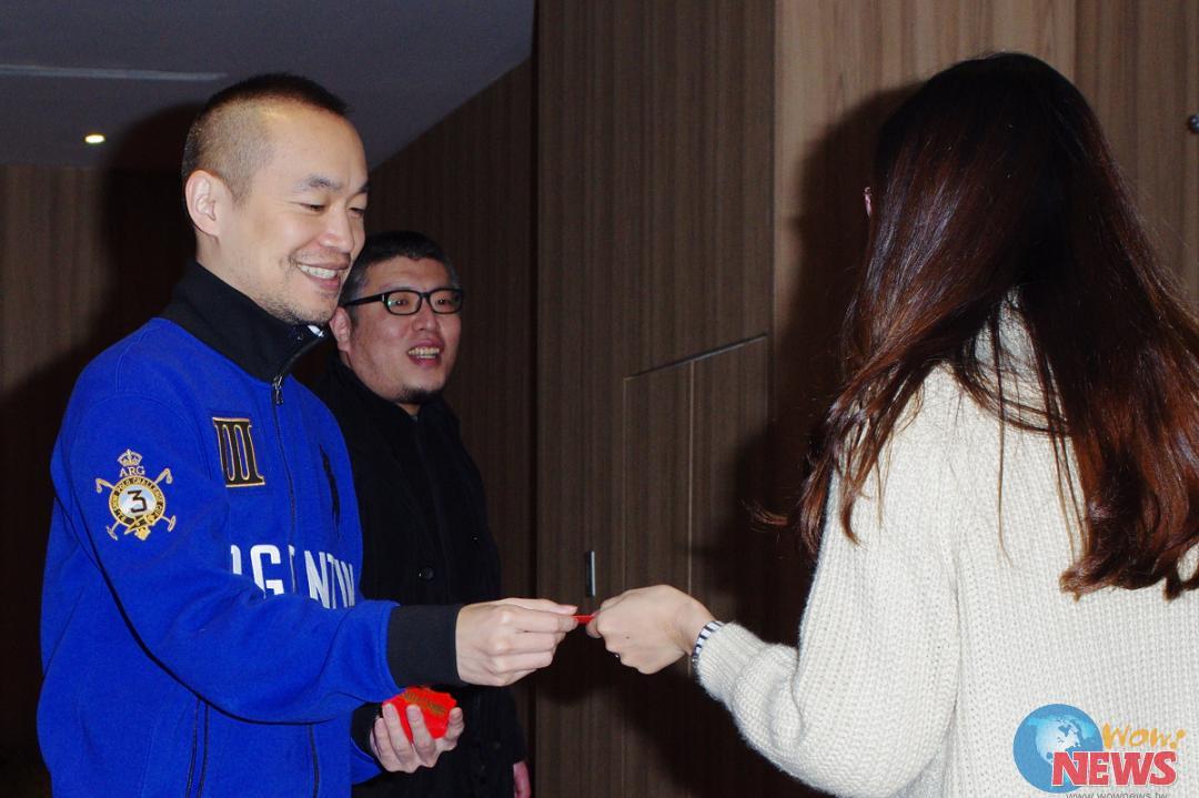 黃立成、邱彥翔突襲影城與影迷一起「變身」好野人! | Wow!NEWS新聞網