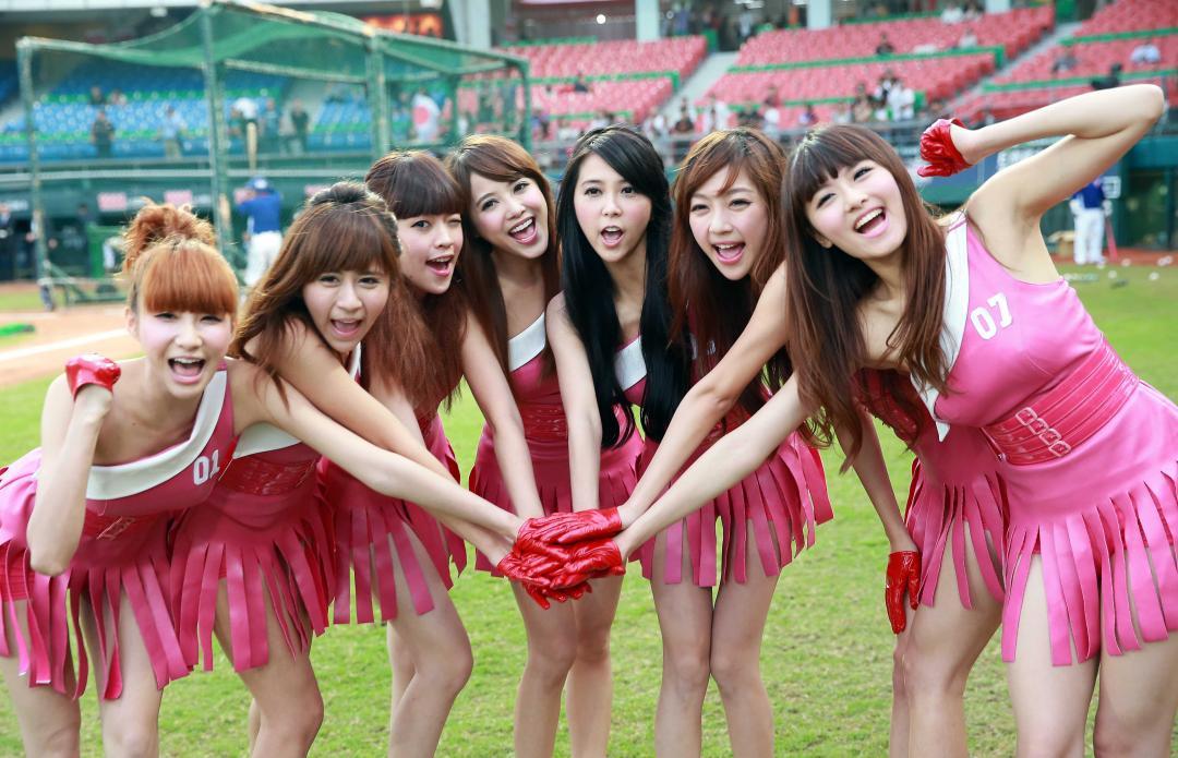 日本可爱女生舞蹈